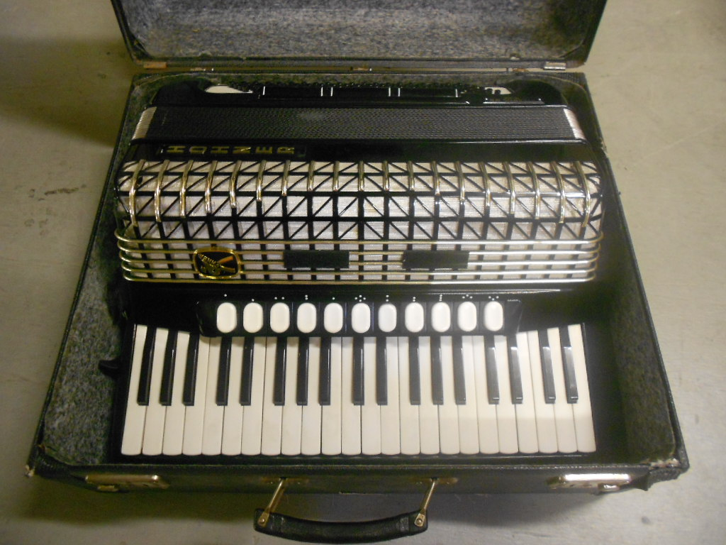 Accordéon  Hohner Atlanta 145p